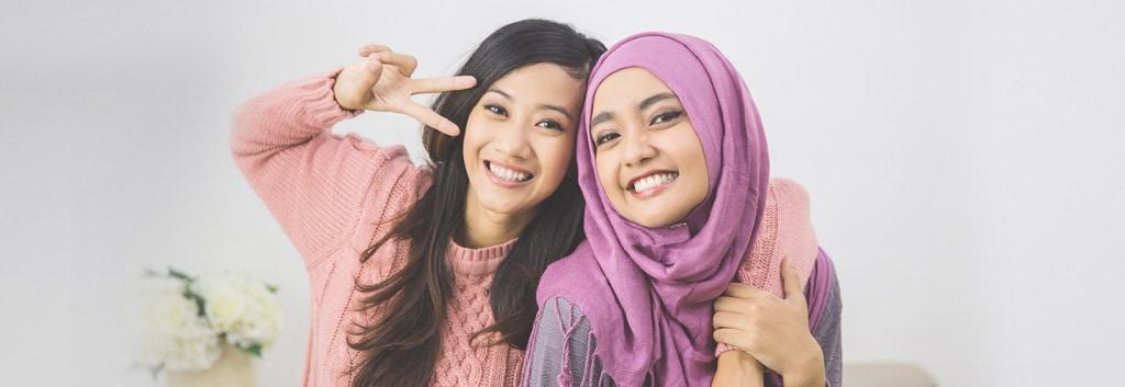 Dua wanita